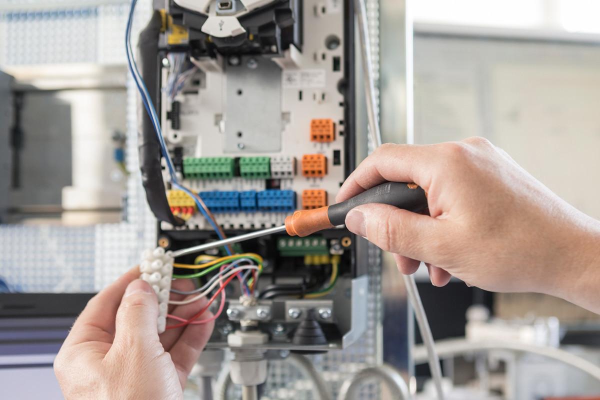 Automation Steuerungsbau Messtechnik Verfahrenstechnik - HOK_Abteilung_Automation_11_05_2017_131_korrigiert_001-SM